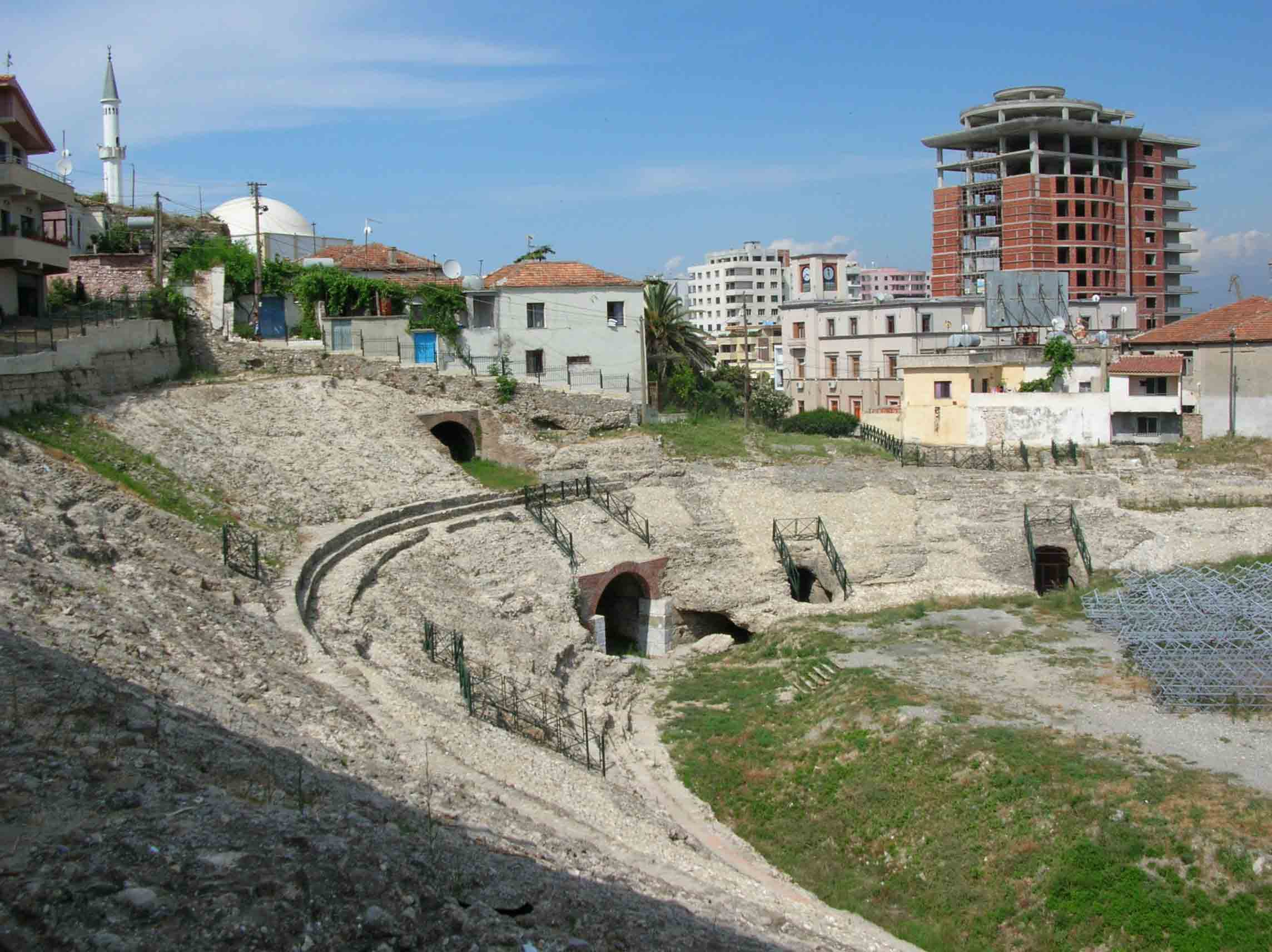"Foto nga qyteti i ""Durresit"" Durres_amphitheater"