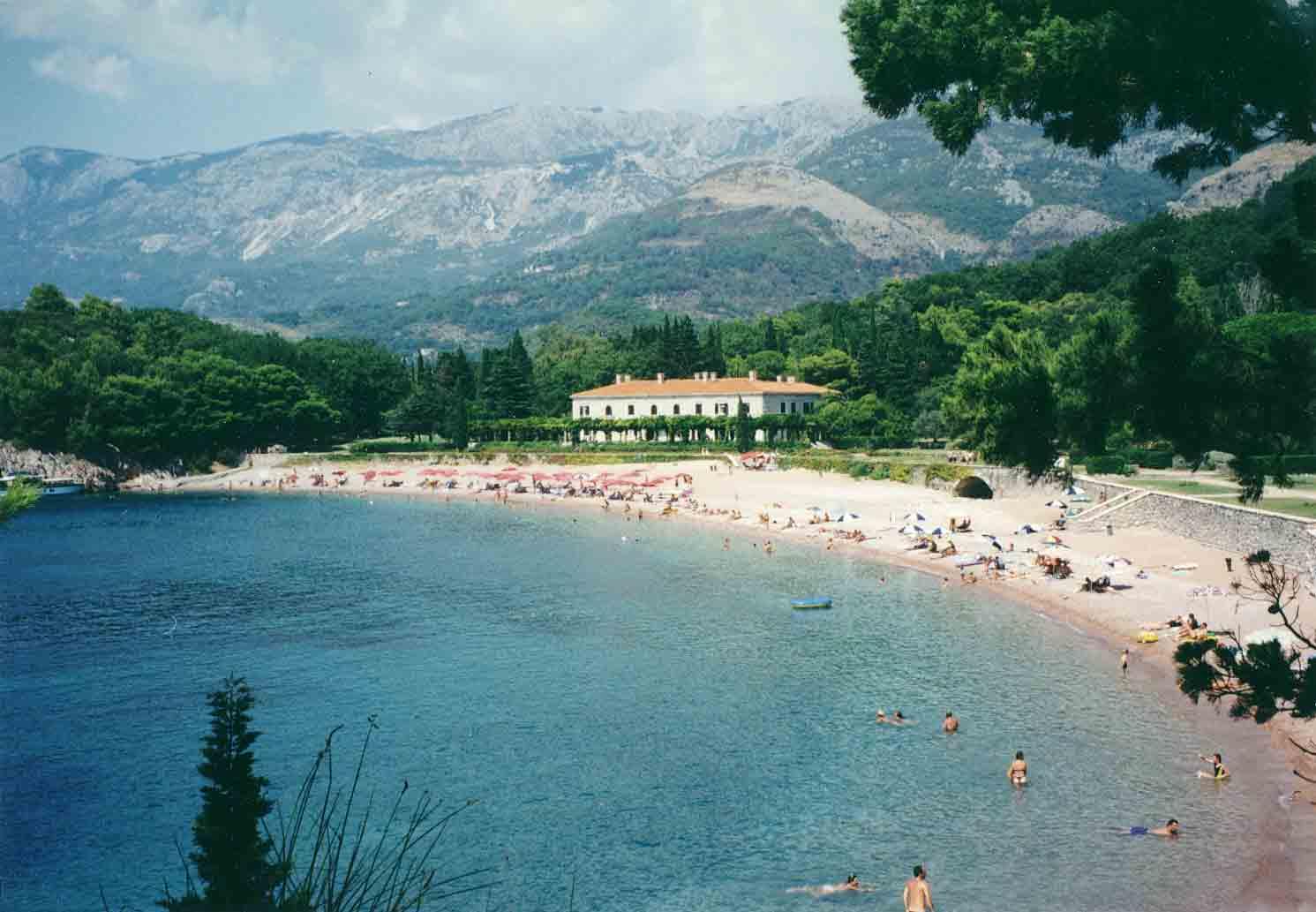 Milocer Montenegro  city pictures gallery : Badestrand bei Sv. Stefan Sveti Stefan Montenegro, Crna Gora